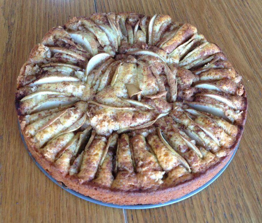 Eple-marsipan kake med kanel