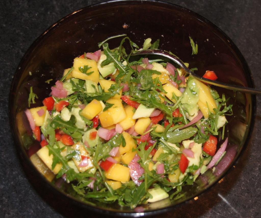 Mango-avocado salat